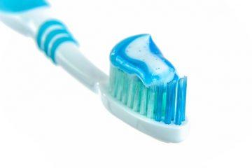 איך לשמור על שיניים בריאות